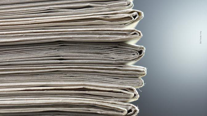 Übersicht der Themenschwerpunkte, Zeitungsstapel